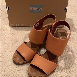 Sandals open toe size 8 worn a couple of time